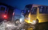 Под Кременчугом автобус попал в страшное ДТП, есть жертвы