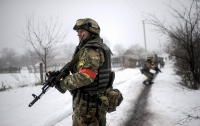 На Донбассе под вражескими обстрелами погиб украинский военный