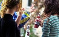 В Славянске двое 12-летних девочек отравились алкоголем