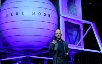 Глава Amazon Джефф Безос показал аппарат для высадки на Луну