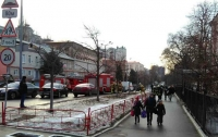 В центре Киева спасают детей из загоревшейся гимназии