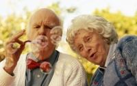 Ученые объяснили способность людей доживать до старости