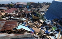 Землетрясение в Индонезии: число погибших продолжает расти