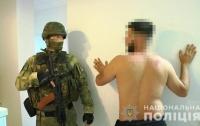 Полиция рaзоблaчилa банду, которaя легализировала инострaнцев в Укрaине