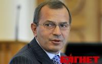 Клюев не исключает кадровых ротаций в Кабмине, но за себя не переживает