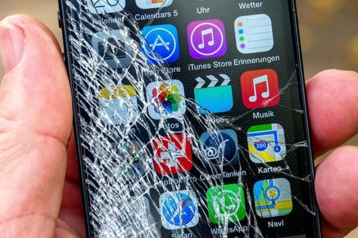В реализованных айфонах компания Apple отыскала брак