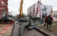 В Москве убирают памятник маршалу Жукову