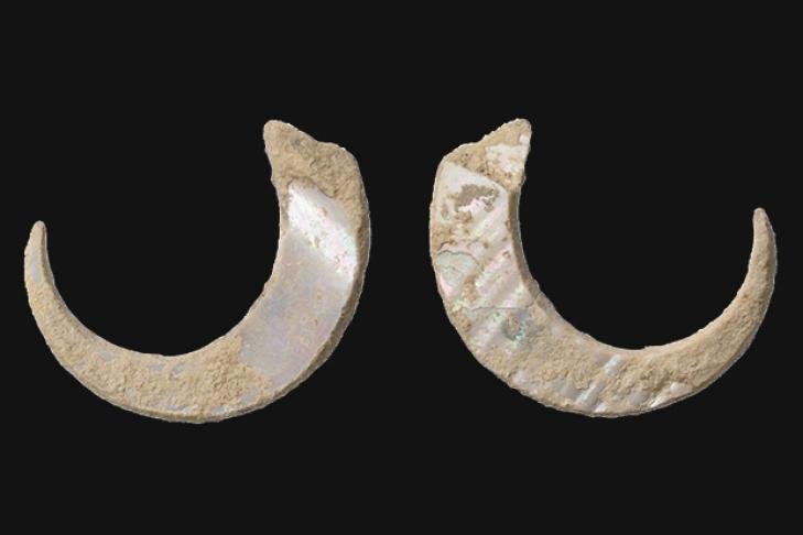 Японские археологи отыскали древнейшие рыболовные крючки