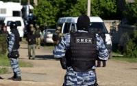 Российские силовики в Симферополе обыскивают крымских татар