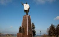 В Запорожье возле памятника Ленину обнаружили бомбу