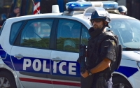 Во Франции трое злоумышленников в масках открыли стрельбу в кафе