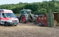 В Германии перевернулся экскурсионный трактор, 27 пострадавших