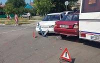 На запорожском курорте произошло тройное ДТП с пострадавшими (видео)