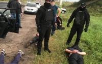 Вооруженная банда за день совершила серию разбойных нападений на Львовщине