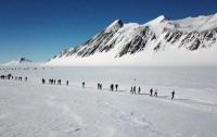 Экстремальный марафон: в Антарктиде прошел самый морозный забег в мире