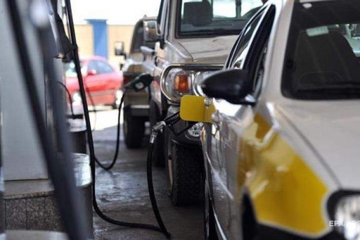Большие  сети АЗС снизили цены набензин идизтопливо— впервый раз  заполгода