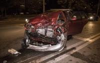 В Киеве таксист устроил серьезную аварию (видео)
