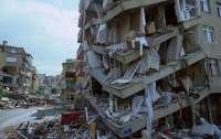 В Турции растет количество жертв и разрушений от стихии (видео)