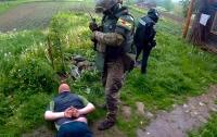 В Черновицкой области задержали торговца оружием, которое поставлялось из зоны АТО