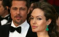 Анджелина Джоли поменяла фамилию