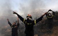 Число пострадавших из-за пожаров в Греции увеличилось до 156