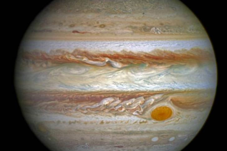 NASA показало огромное Красное Пятно Юпитера большим планом