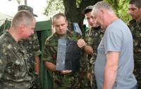 Бывший депутат-регионал привез солдатам бракованы бронежилеты