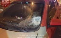 ДТП в Киеве: 19-летняя девушка попала под авто (видео)