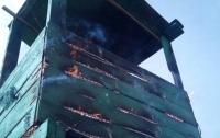 Злоумышленники подожгли пограничную башню в Одесской области