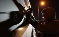 В центре Киева у налоговиков угнали служебный автомобиль