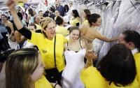В Нью-Йорке прошел «забег невест» (ФОТО)