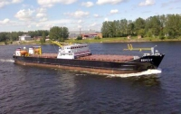 На Волге столкнулись два грузовых судна