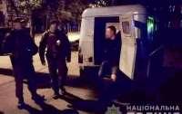 В Кременчуге мужчина из-за замечания ударил ножом военнослужащего