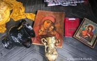 Священник узнал похищенную икону, имеющую золотое напыление и вес около 40 кг
