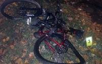 Пьяный водитель сбил велосипедиста в Киеве и попытался скрыться