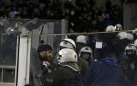 Полиция Греции избила фанатов
