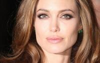 Анджелина Джоли не хочет снимать кино об Украине