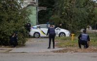 Полиция Днепра гонялась за водителем BMW, пока он не забаррикадировался в доме