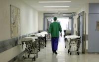 В киевской больнице мужчина выбросился из окна