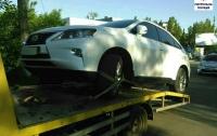 Испугавшись полиции Николаева, водитель Lexusа оставил автомобиль и убежал