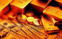 Золото опять набирает цену