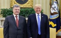 Порошенко считает эффективными переговоры с Трампом о предоставлении Украине оружия