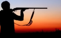 Пенсионер на охоте застрелил двух человек, еще одного ранил