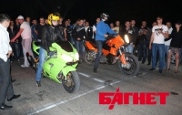 Под Симферополем прошли ночные уличные гонки (ФОТО)