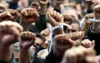 Протесты в Гонконге: мирная акция переросла в поножовщину