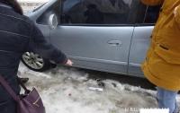 Полицейский пострадал от угонщика автомобиля