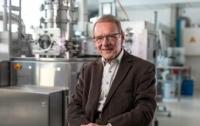 74-летний ученый-физик получил премию 1 млн евро за технологию 74-го года
