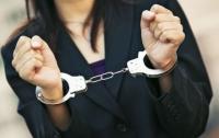 Одесская полицейская получила три года за сбыт наркотиков