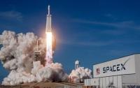 SpaceX запустит в космос прах 152 человек