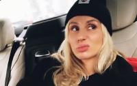 Лобода обругала матом работников российского аэропорта (видео)